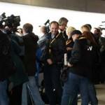Auch unzählige Journalisten warten auf die Landung des A380Foto: © Elmar Leimgruber