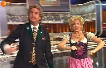 """Die Top-Comedians Wolfgang (Bastian Bastevka) und Anneliese (Anke Engelke) bei """"Wetten dass..?"""""""
